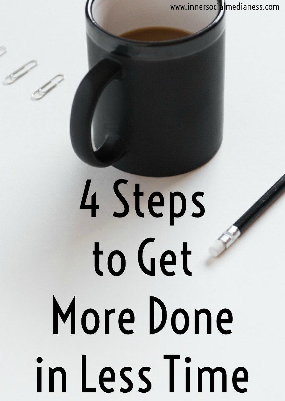 4 Steps to Get More Done in Less Time - These FREE Social Media Worksheets will introduce you to a new way to get more done with your social marketing to help you consistently post content online and grow your social presence to get more clients.